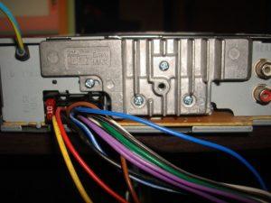Подключение магнитолы с установкой своими руками в машину (распиновка ISO и mini ISO разъема аудиосистемы)